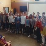 Spoločná fotografia so študentami